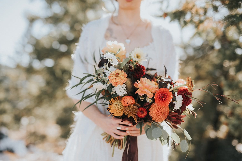 woodlands, woodlands denver, woodlands wedding, jill houser photography, woodlands colorado, fall colorado wedding, white barn wedding, white barn colorado, white barn co, fall florals